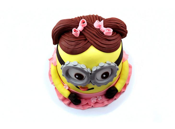 Торт в виде Миньона