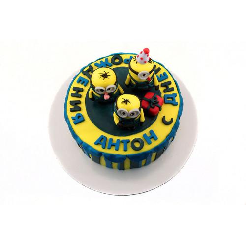 Торт Миньоны на шаре