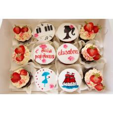 Капкейки на День рождение с ягодами