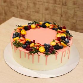 Торт с ягодами в глазури