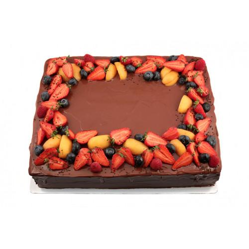Торт киевский с ягодами
