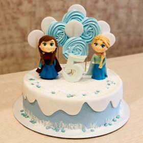 Торт с маленькой Эльзой и Анной
