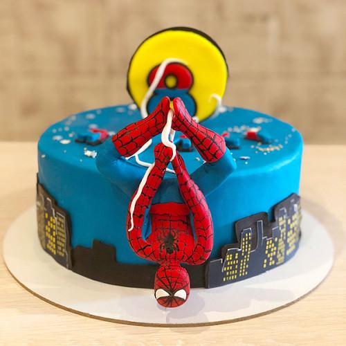 Фото тортов с человеком пауком из мастики