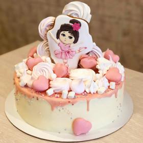 Торт для девочки с пряниками и макаронс