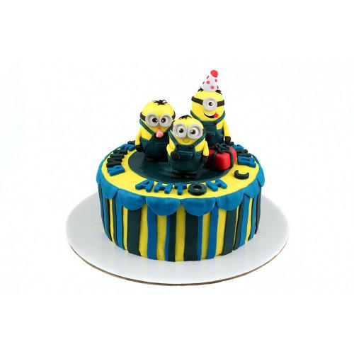 Торт Миньоны для мальчика