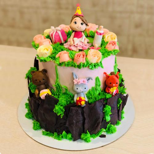 Торт с Малышкой и Зверятами