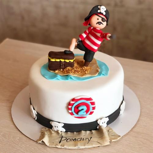 Торт с пиратом и сундуком