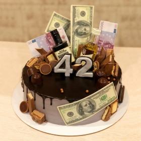 Торт с бутылкой и долларами