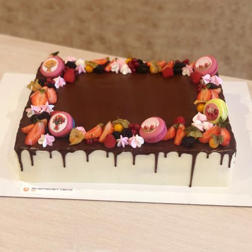 Корпоративный торт на 8 Мар�...