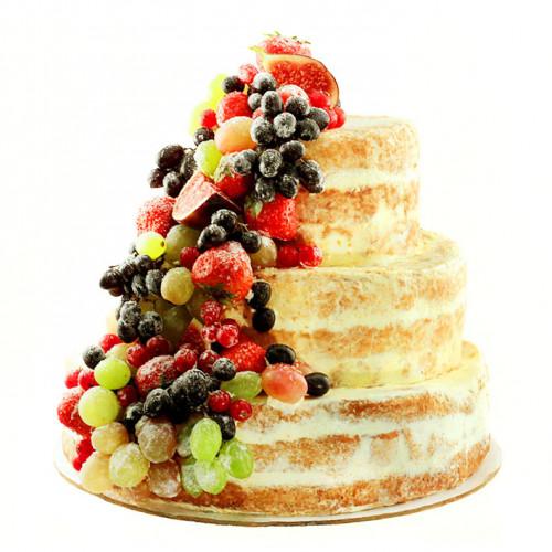 Открытый торт с ягодами и фруктами