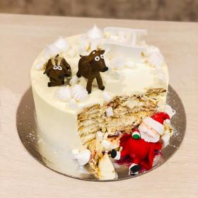 Торт с Дед Морозом и оленями