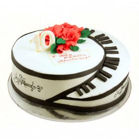 Торт с цветами для пианиста