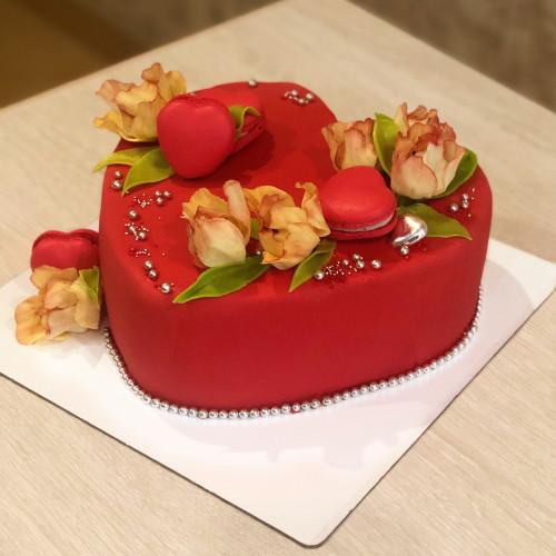 Торт Сердце с цветами