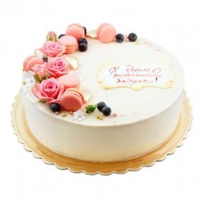 Торт с розами и макаронс