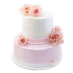 Свадебный торт с розами из мастики