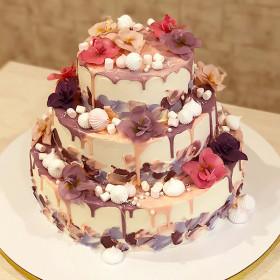 Трёхъярусный торт с орхидеями